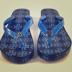 Practically new Tory Burch wedge logo flip flops